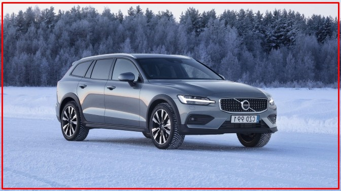 Photo of 2021 Volvo V60 Cross Country crossover wagon